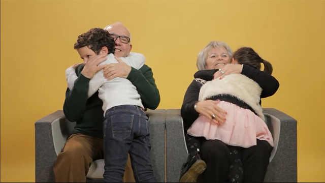 催泪访问:会换掉自己的爷爷奶奶吗