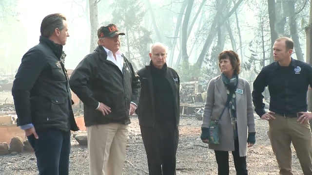 川普视察加州灾情,批评官员数小时