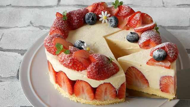 不用烘烤的草莓巧克力慕斯蛋糕