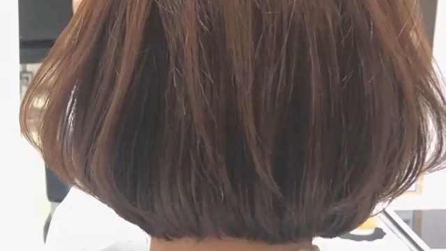 如何一边打理短发一边烫发?