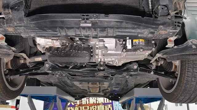 奥迪A3底盘拆解,这辆车用料如何?