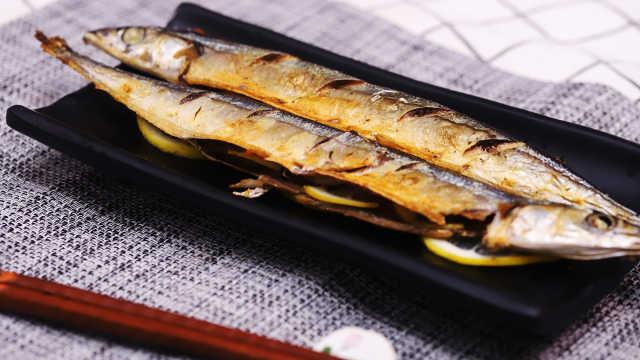 美味无比,从此爱上盐烤秋刀鱼!