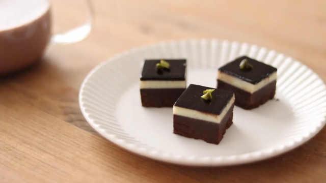 香浓美味的三重巧克力布丁