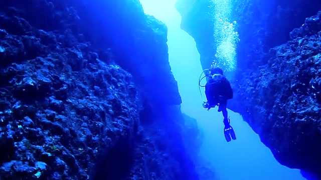 塞班岛蓝洞,全球第二大洞潜之地