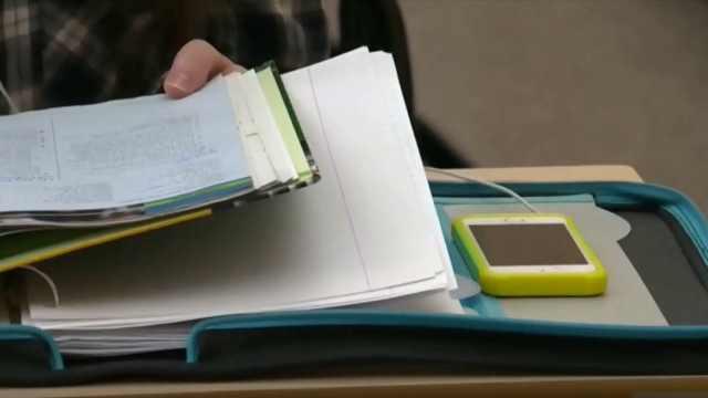安大略省禁止学生在课堂上使用手机