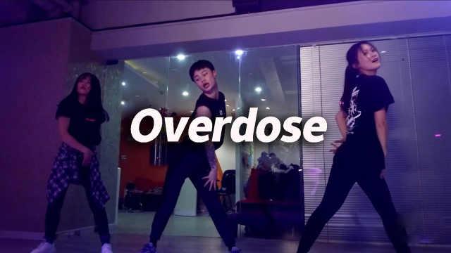 小红编舞《Overdose》,线条美十足