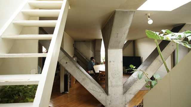 近似毛坯房的小楼成日本小住宅典范
