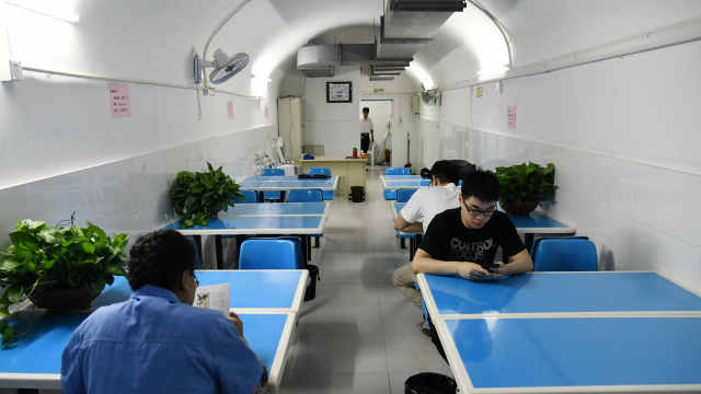 南京7防空洞免费开:有水有网有空调